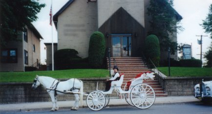 http://www.echolakestables.com/images/carriage/carriage.jpg